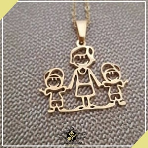 گردنبند طرح خانواده مادر و دو پسر